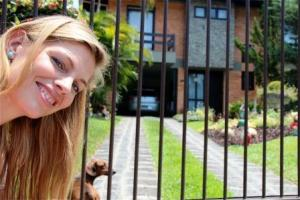 Ein Dackel und Gartenzwerge und das mitten in Brasilien, Martina Hirschmeier kann es kaum glauben!