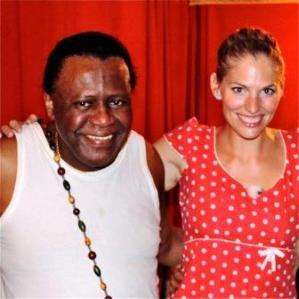 Martina Hirschmeier zusammen mit einem Medium in Rio.